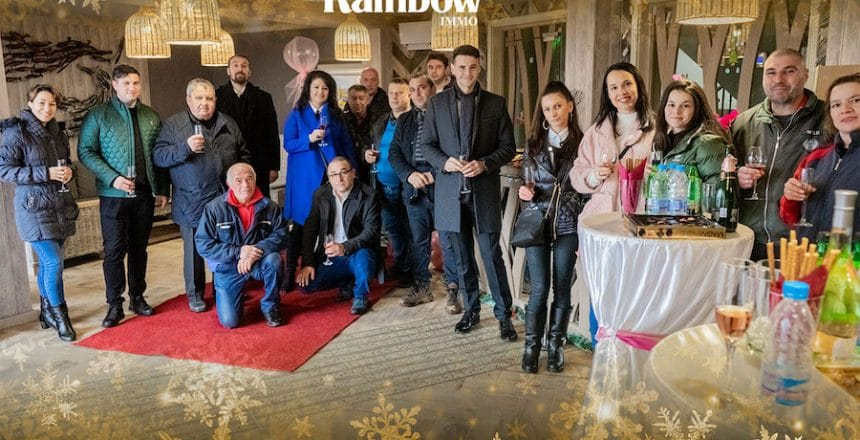 THE TEAM OF IMMO RAINBOW WISHES YOU HAPPY HOLIDAYS! 4