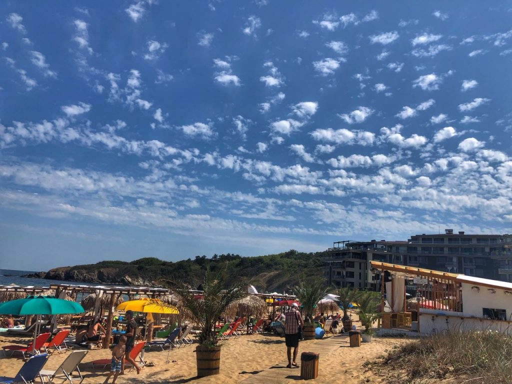 THE BEACH NEAR THE COMPLEX SAINT JOHN IS WELL SUITED FOR RECREATION AND WATER SPORTS 3